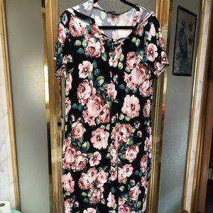 Maxi dress with hoodie